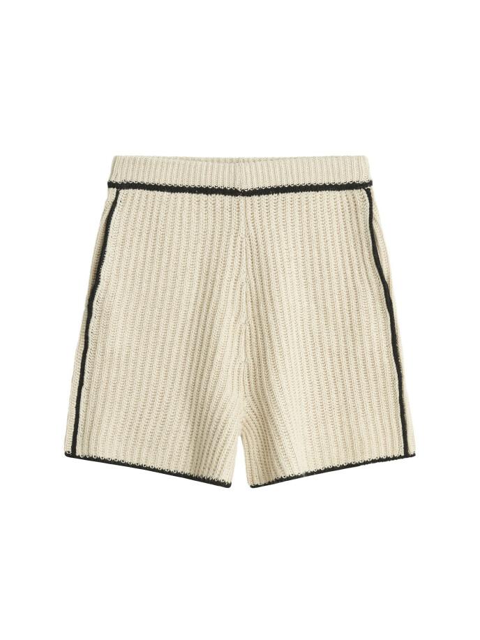 Shorts (kr 1900, By Malene Birger).
