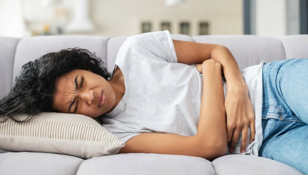 BLØDNINGER: Flere kvinner har opplevd endringer i blødningene etter mensen. Mange av symptomene har vært forbigående. Foto: NTB