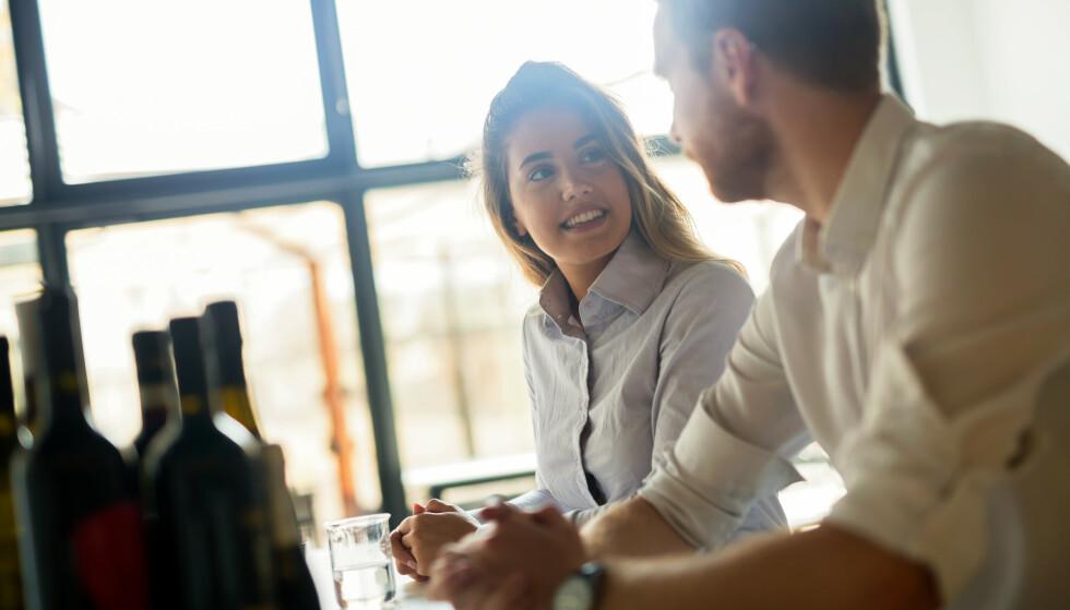 TAR KONTROLL: Hvis du har opplevd å bli utsatt for utroskap selv i tidligere forhold, kan du faktisk ende opp som den utro parten i et nytt forhold. FOTO: NTB