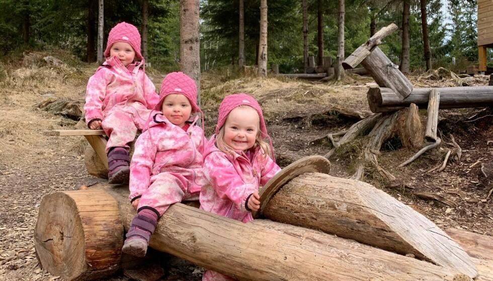 STORTRIVES I BARNEHAGEN: For trillingene Sol, Luna og Tomine (3) gikk overgangen til livet i barnehagen veldig greit, noe mamma Sanne mener skyldes at de fikk en sakte tilvenning. FOTO: Privat