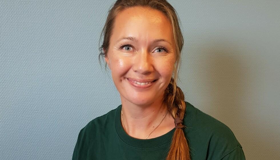 PRAKTISERER FEM DAGERS TILVENNING: Camilla Hagstrøm, styrer i Espira Kløverenga barnehage, erfarer at flere foreldre synes fem dager er for lenge enn for kort. En utfordring kan være at mange rett og slett ikke har mulighet til å ha så lenge fri fra jobb. FOTO: Privat