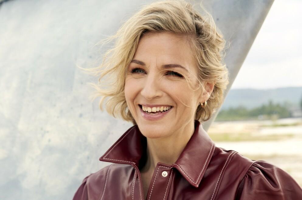 – Jeg er en dame på 44 som ser ut som en på 44. Sånn skal det være, sier Guri Solberg. Hun forteller at det er en stund siden hun oppdaget at de fleste hun jobber med, er yngre enn henne. FOTO: Thomas Qvale