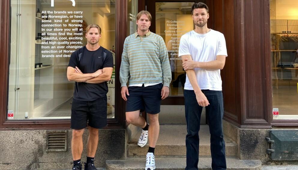 NORSK MOTE: Brødrene Alexander, Emil og Benjamin Krystad Martinsen står bak konseptbutikken F5 i Oslo sentrum, som har et sylskarpt fokus på norske motemerker. FOTO: Privat