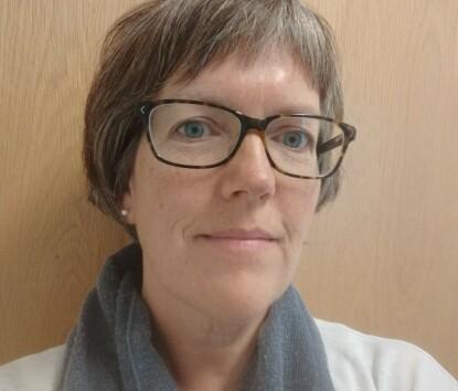 BRA TILTAK: Helsesykepleier Anja Langeland har møtt mange nybakte foreldre som forteller at de har blitt mer ensomme etter at koronapandemien startet. FOTO: Privat