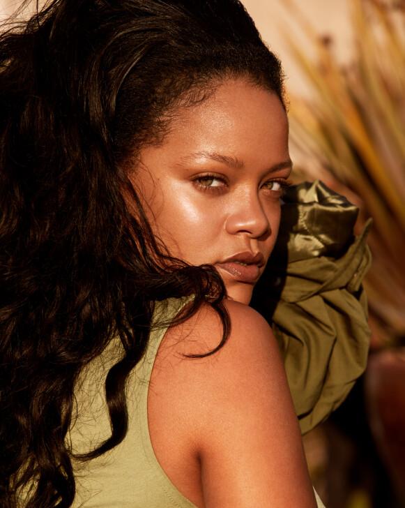 MANGE BALLER I LUFTEN: Rihanna driver ikke bare med musikk. Hun er både designer og gründer innen både mote og skjønnhet. FOTO: FENTY SKIN