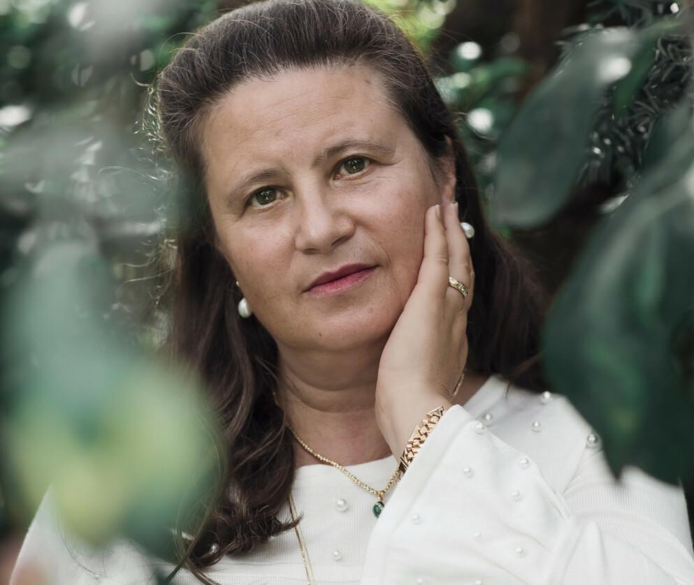 HODESKADE: Før hodeskaden hadde Bente mange baller i lufta, det klarer hun ikke lenger. FOTO: Astrid Waller