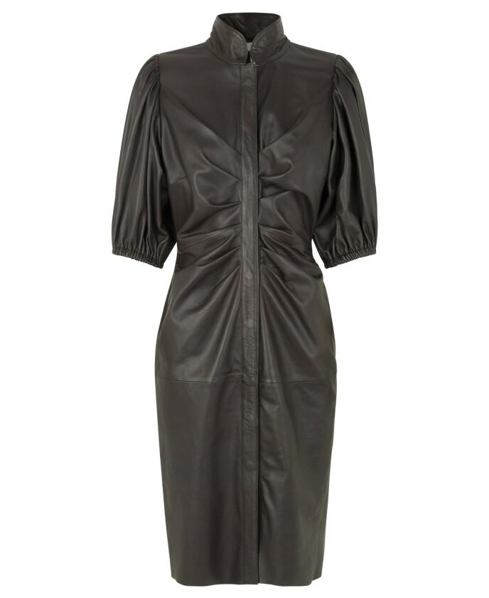 Drapert kjole (kr 5600, Notes du Nord).