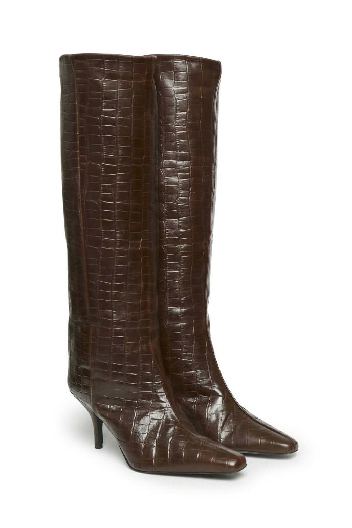 Høye støvletter (kr 4500, Gestuz).