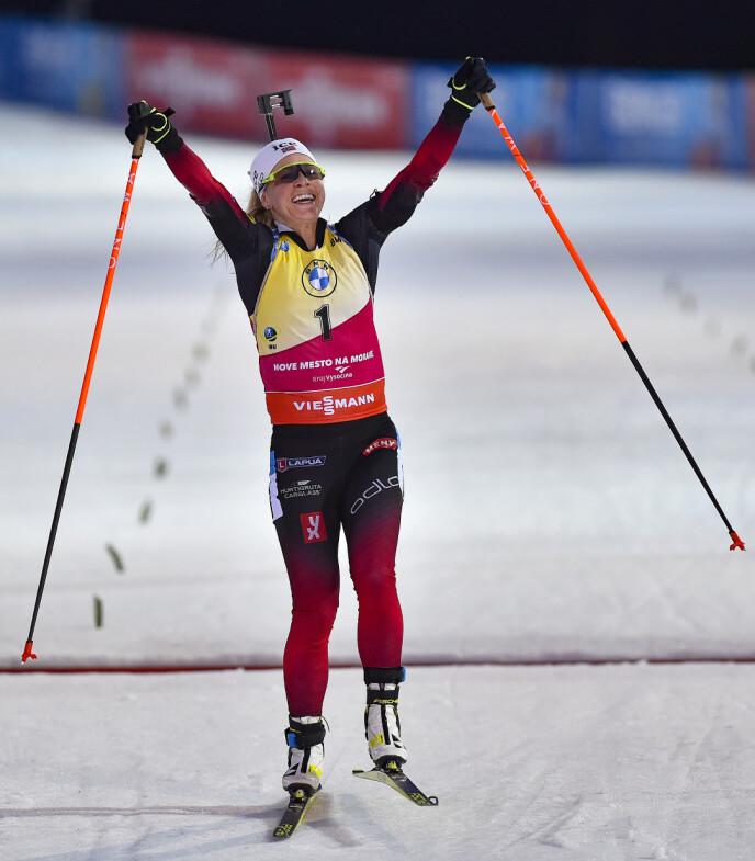 NÅDDE MÅLET: Tiril Eckhoff stakk av med gull under kvinnenes 10 km jaktstart i mars 2021. FOTO: NTB