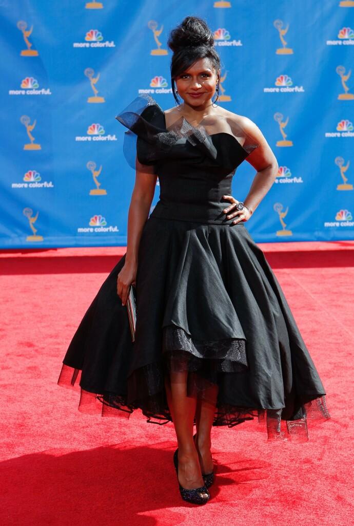 NOMINERT: Mindy Kaling har mottatt en rekke priser og nominasjoner, som skuespiller, produsent og manusforfatter. Her ankommer hun Emmy Awards i 2010. FOTO: NTB