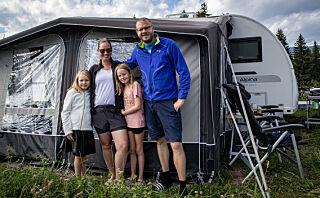 Barnefamilien var lei hverdagstralten - skal bo i campingvogn ett år