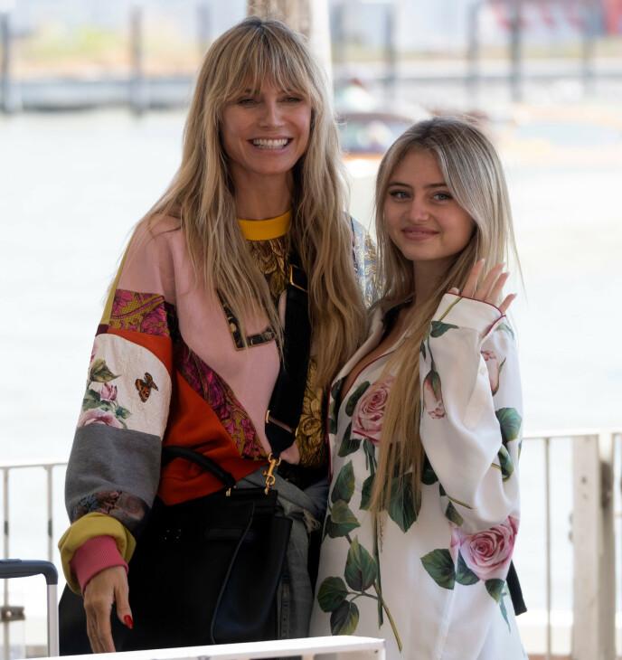 MOR OG DATTER: Heidi Klum og datteren Leni Samuel ankom Venezia 27. august for Dolce & Gabbanas moteshow. FOTO: NTB