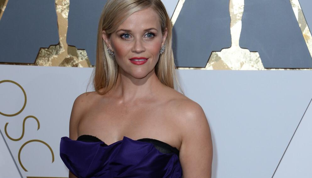 REESE WITHERSPOON: Reese Witherspoon åpner opp om det å bli mamma i begynnelsen av 20-årene og i slutten av 30-årene. FOTO: NTB