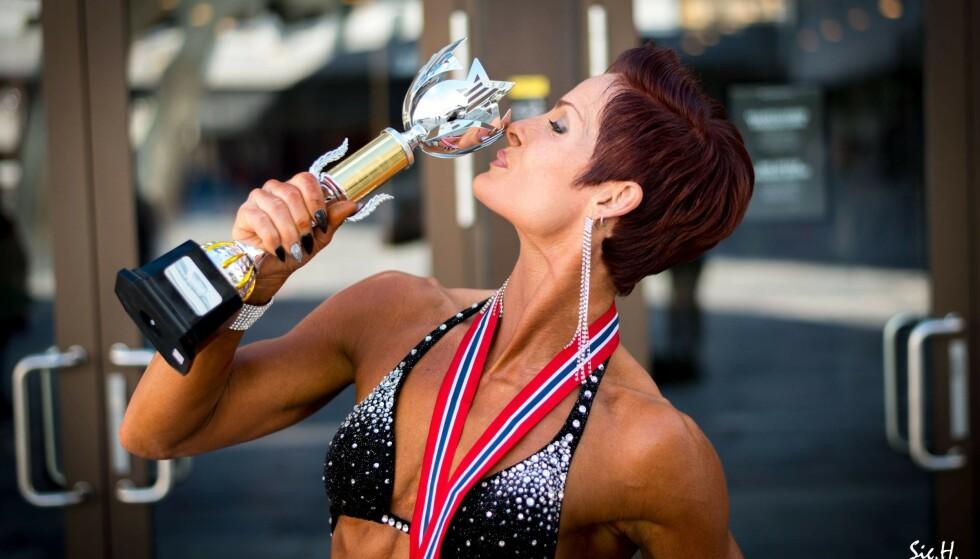 KONKURRERER I FITNESS: Anette Tollefsen har medaljer både fra NM og nordisk mesterskap i fitness, snart deltar hun sitt tredje NM. FOTO: Sigurd Håkon Øyvang
