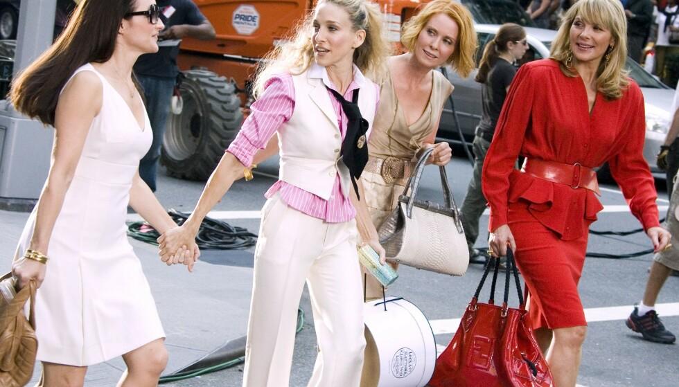 STILINSPIRASJON: Antrekkene til Carrie Bradshaw og de andre i Sex and The City-serien er evige kilder til inspirasjon. Foto: Charles Sykes/REX/NTB.