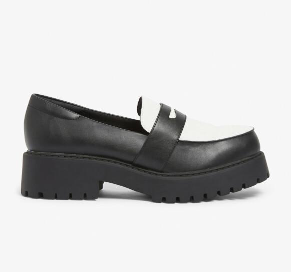 Tofargede loafers (kr 400, Monki).