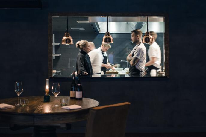 RESTER: Restaurantens navn er direkte hentet fra ordet «restemat». Det brukes mye skjeve gulrøtter, store løk, egg av ulike størrelser FOTO: Astrid Waller
