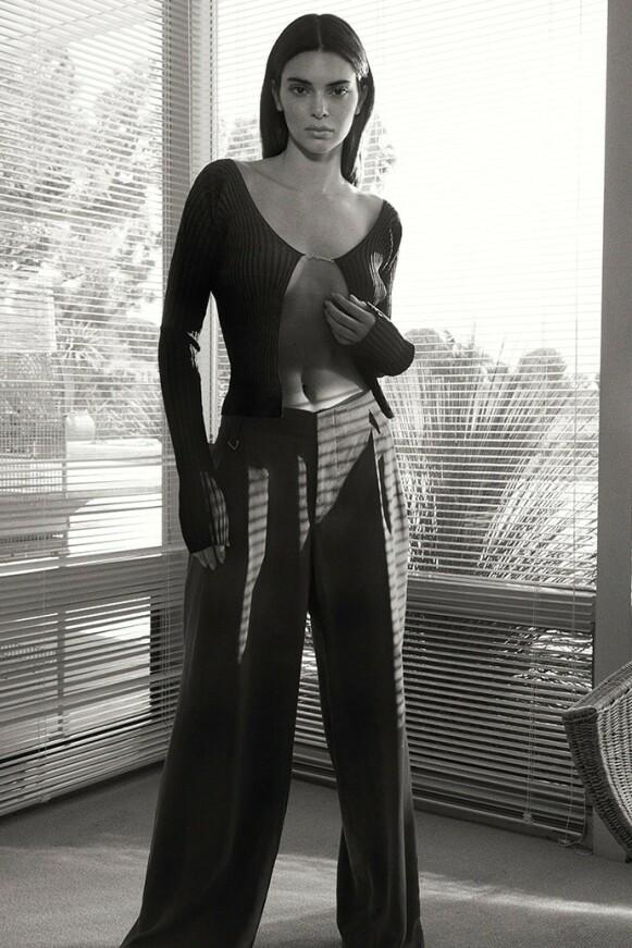 ANSIKT UTAD: Kendall Jenner startet ny jobb med fotoshoot. FOTO: FWRD