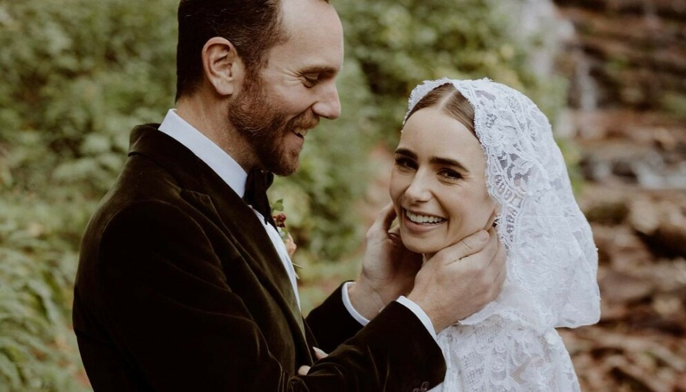 DET LYKKELIGE PARET: Lily Collins fikk sin Charlie McDowell da paret giftet seg lørdag. FOTO: INSTAGRAM @LILYCOLLINS