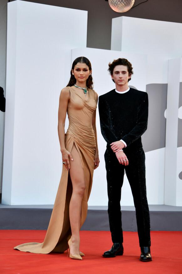 KOLLEGER: Zendaya og Timothée Chalamet spiller sammen i filmen «Dune». FOTO: NTB