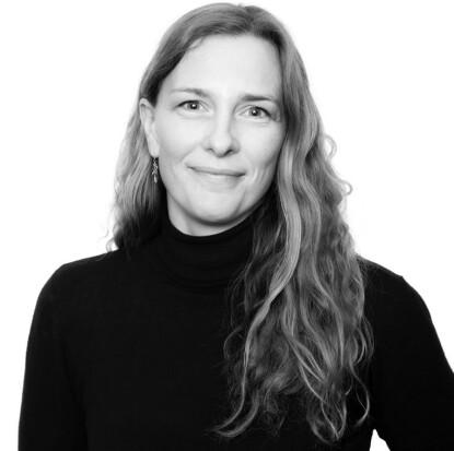 VÆR ÆRLIG: Samtale- og familieterapeut, Line Jonsborg, erfarer at barn åpner seg mer dersom vi foreldre også tør å være åpne. FOTO: Privat