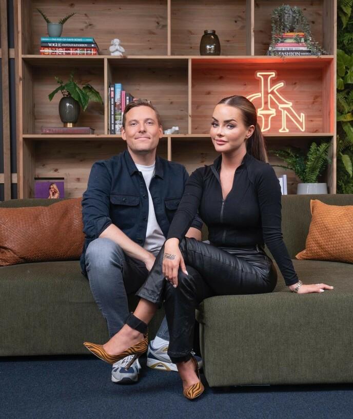 NY DUO: Sophie Elise Isachsen og Niklas Baarli skal være programledere for God Kveld Norge fremover. Foto: Espen Solli via instagram @godkveldnorgetv2