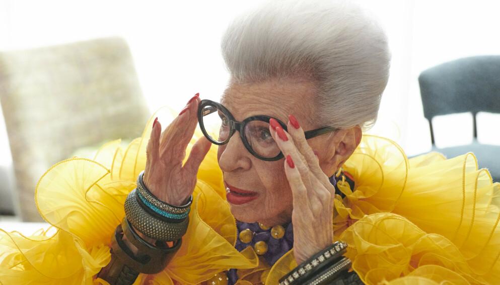 LANSERER KLESKOLLEKSJON: 100 år gamle Iris Apfel slipper samarbeidskolleksjon med H&M. FOTO: H&M