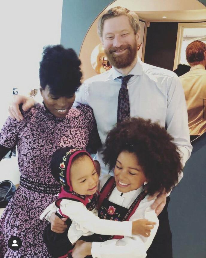 DÅRLIG SAMVITTIGHET: – Jeg var veldig redd for at jeg skulle få dårlig samvittighet for å ha ett barn 100 prosent, og ett 50 prosent, sier Tinashe, som har datteren Ziggy med ektemannen Odd-Magnus og India med eksen Håvard. FOTO: Privat