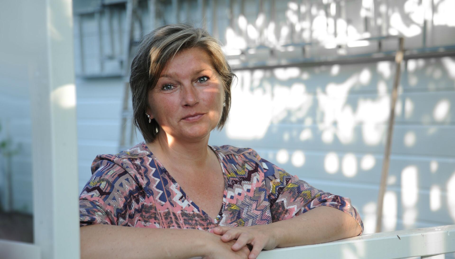 BRENNENDE SMERTE: Tina (46) trodde lenge hun hadde underlivssopp, og fikk feil behandling. Da hun omsider oppsøkte fastlegen, spurte han hvorfor hun hadde ventet så lenge. Foto: Marianne Otterdahl-Jensen