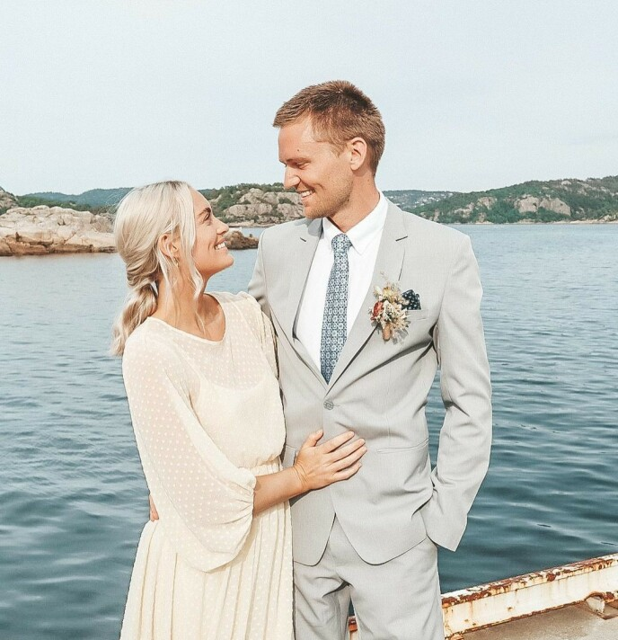 BRYLLUPSPLANER: Etter tre år sammen, har paret begynt å planlegge sitt eget bryllup. Foto: @mortendalhaug