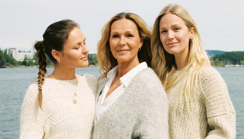DESIGNER: Dorthe Skappel her sammen med døtrene Marthe Skappel (t.v), daglig leder i Skappel, og Maria Skappel. FOTO: PRIVAT