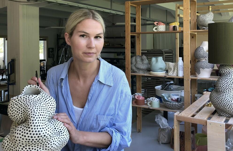 SKIFTET YRKE: Johanne Birkeland fulgte lidenskapen sin og sa opp jobben i det private næringslivet, for å satse på et yrke som keramiker. FOTO: Privat