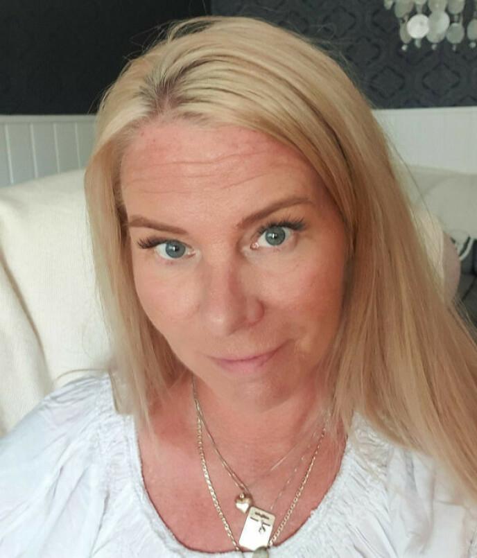 ÅPEN OM SYKDOMMEN: Brita ønsker å dele med andre hvordan det er å ha tilstanden fibromyalgi. Foto: Privat
