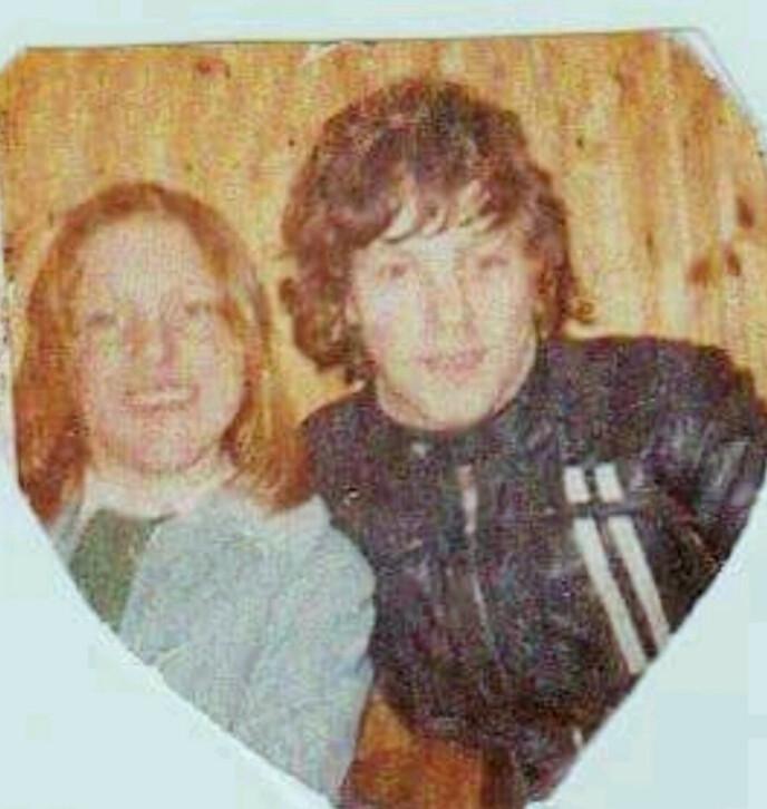 Det første bildet. Så skulle det ta mange år før de fant tilbake til hverandre, FOTO: Privat