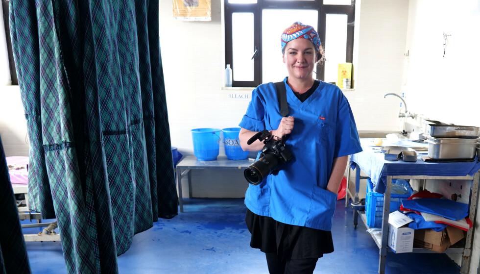FØDSELSFOTOGRAF: Eva Rose har overvært hele 205 fødsler og er en av Norges mest erfarne fødselsfotografer. FOTO: Privat
