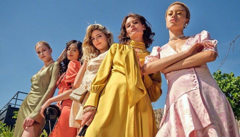 FAST FASHION-GIGANT: Shein tar opp kampen mot mer etablerte aktører som H&M og Zara. Men det er ikke uten kontrovers. FOTO: SHEIN