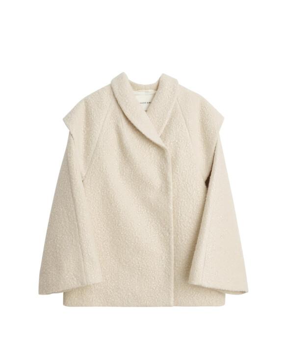 Skulpturell jakke (kr 4000, By Malene Birger).