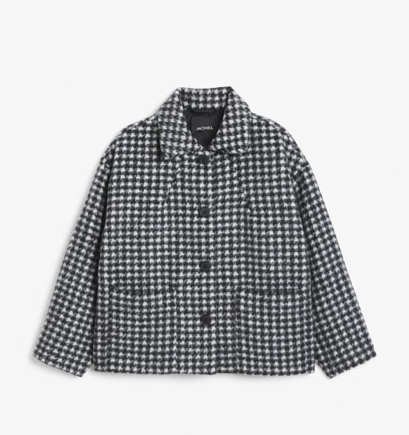 Rutete jakke (kr 600, Monki).