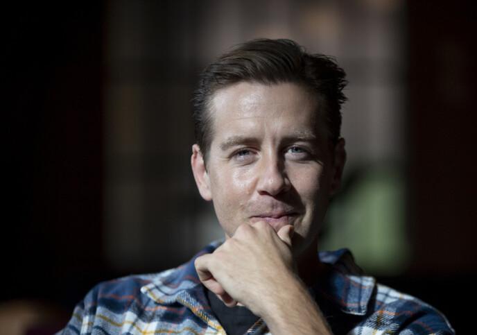 EN TRAVEL MANN: Skuespiller Pål Sverre Hagen er aktuell i flere produksjoner denne høsten. FOTO: Javad Parsa / NTB