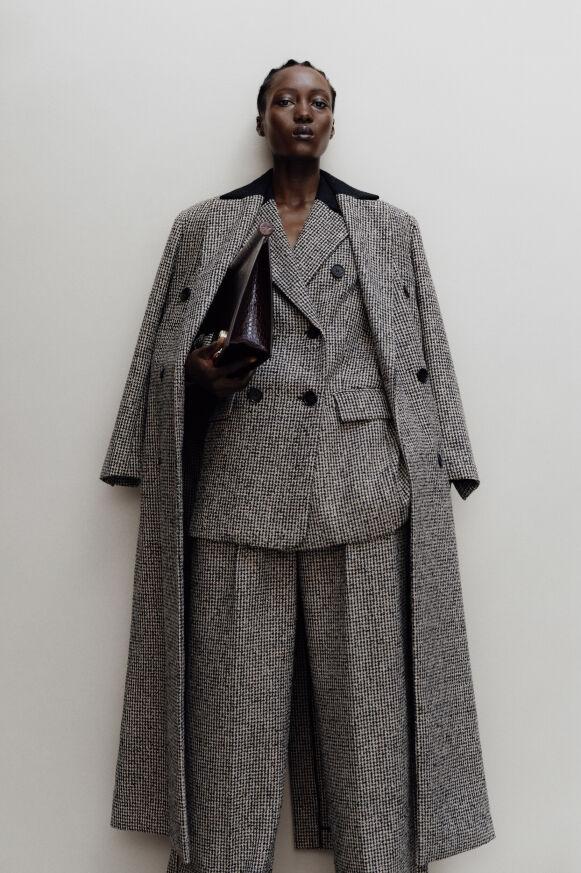 Denne kåpen fra danske By Malene Birger er min favoritt. Kr 4299.