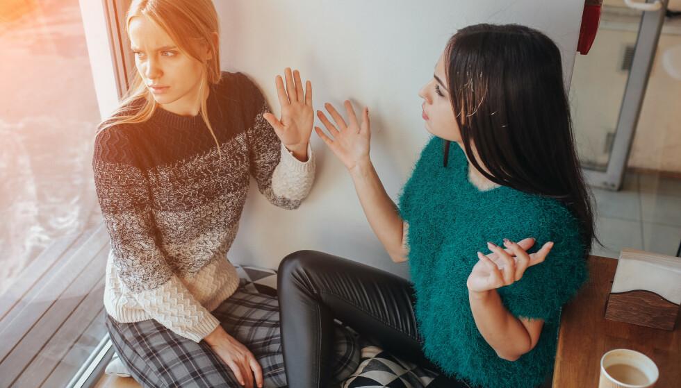 EGOISME: Studien viser at kvinner har større sannsynlighet for å avslutte et vennskap på grunn av egoisme, eller fordi vennen var manipulerende og lite støttende. FOTO: NTB
