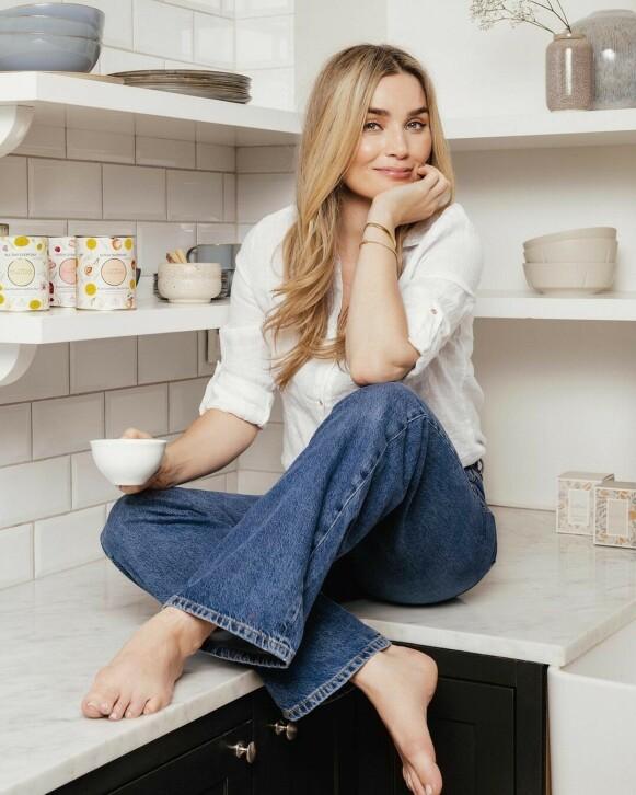 EGEN TE: Camilla Pihl lanserte nylig sine egne teer. FOTO: PRIVAT