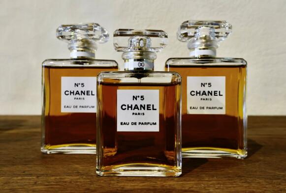 IKONISK: Chanel No.5 har fått kultstatus. Den ble først skapt i 1921. FOTO: NTB