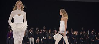 Her gjør den norske supermodellen comeback på catwalken