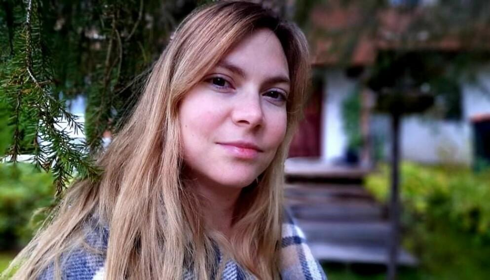 MENSTRUELL MIGRENE: – Hodepinen er verst rundt menstruasjonen. Jeg er i tillegg kvalm og kan kaste opp når det er på det verste, sier Mette-Kristin.