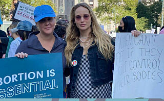 Jennifer Lawrence og Amy Schumer protesterte mot den nye abortloven