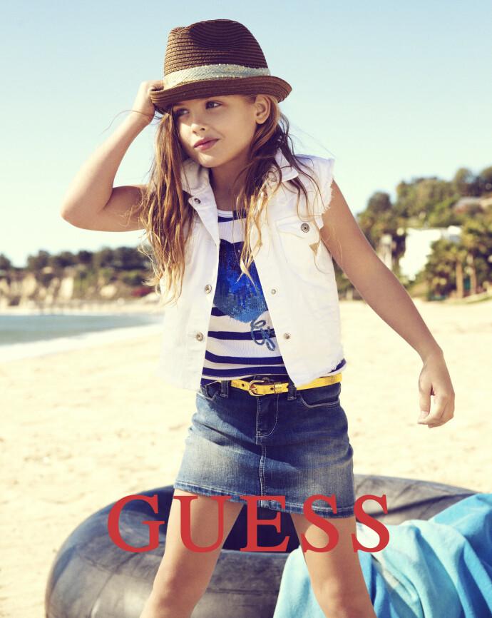 I SIN MORS SKO: Dannielyn Birkhead, datteren til ikoniske Anna Nicole Smith, figurerte i 2012 på bilder for det samme jeansmerket som hennes mor hadde vært frontfigur for. FOTO: NTB