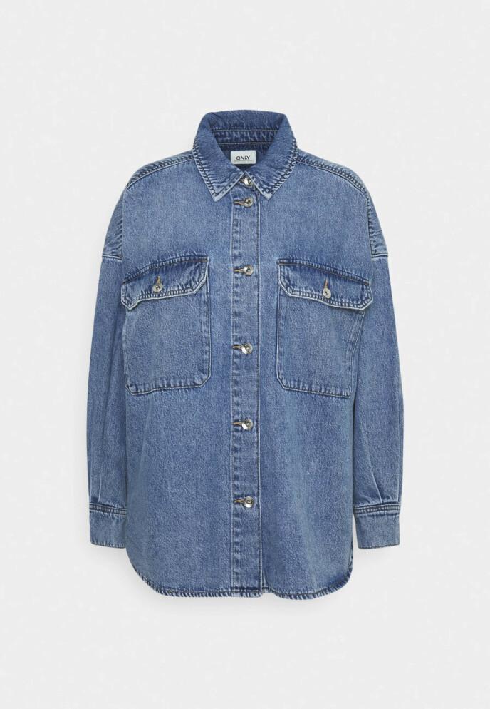 Denimskjorte (kr 560, Only).