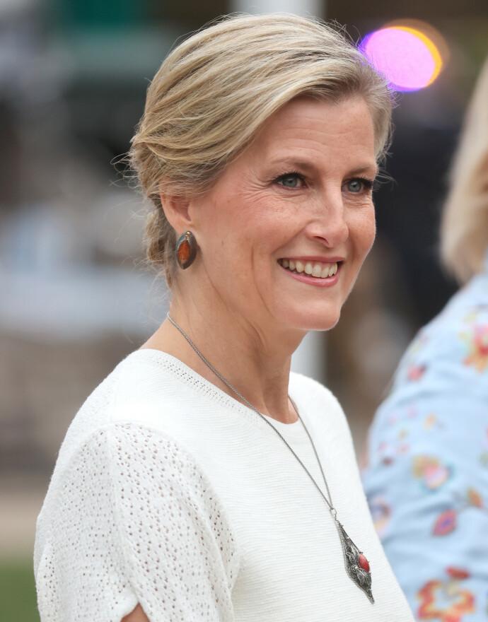 TALSKVINNE: Sophie, grevinnen av Wessex, besøkte RHS Chelsea Flower Show i september 2021. Samme måned sto hun frem som talskvinner for overgangsalderplager, i en kampanje for å få arbeidsgivere til å tilrettelegge for kvinner i menopausen. FOTO: NTB