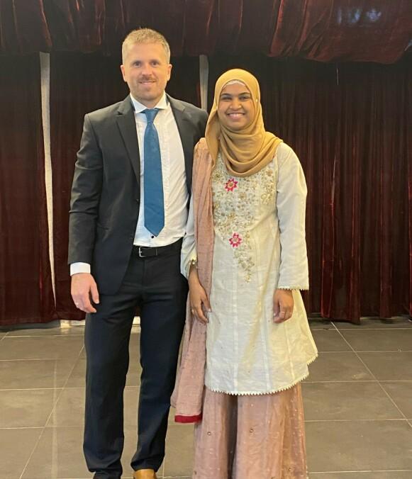 KOLLEGER OG KJÆRESTER: Zenab Mahmood og ektemannen Terje Ahmad har mye til felles og de liker å være kreative sammen, forteller Zenab. FOTO: Privat